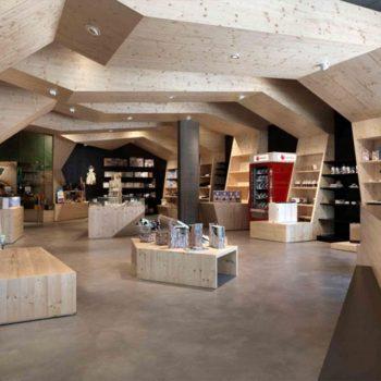 Referenzbild vom Aufbau der Ladenfläche Umweltarena Schweiz