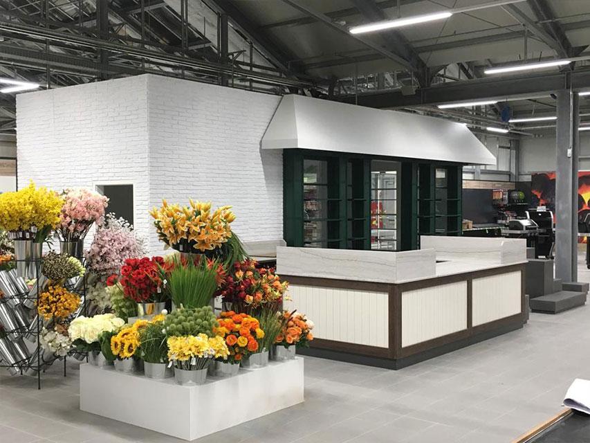 Ladenbau für Garten Dehner: Aufbau der Ladenfläche