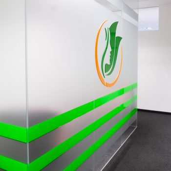 Facharztpraxis: Logo aus dreidimensionalen Acryl Glas