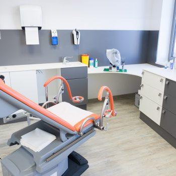 Facharztpraxis: Behandlungsraum